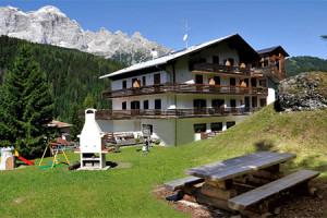 residence-panorama--val-di-zoldo-2-1364217338