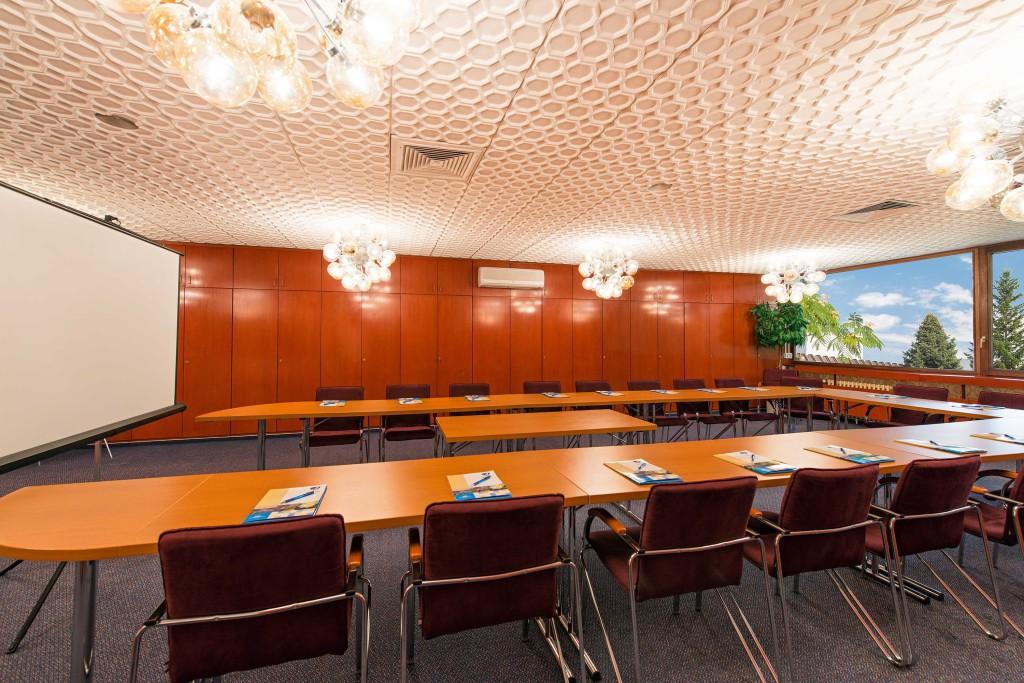 Alexander Boardroom (2)