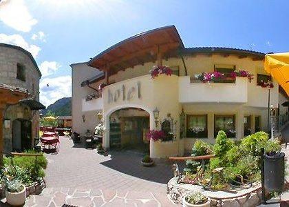 Arabba – Sella Ronda, Dolomiti: Hotel ***, Arabba ,Marmolada- Sella – Ronda
